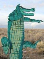 pointing-alligator-sign