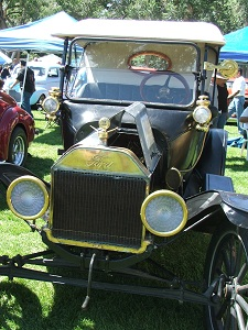 Early-Iron-Festival-Car