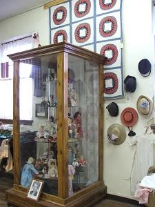 Sanford-Museum-Dolls