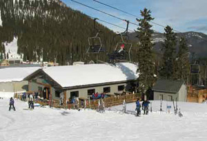 wolf-creek-basecamp-lodge