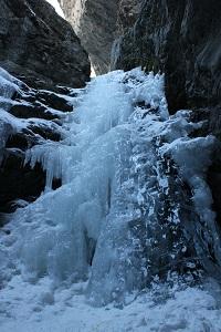 Frozen-Zapata-Falls