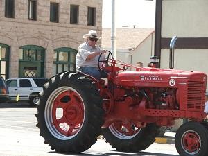 Tractor-in-Ski-Hi-Stampede-Parade