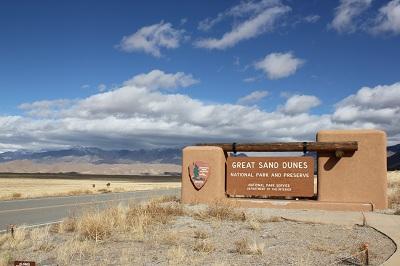 sand-dunes-entrance-sign