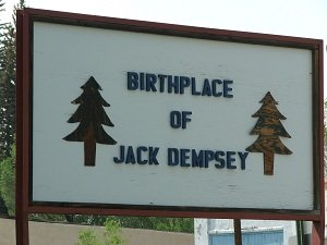 Jack-Dempsey-Museum-sign
