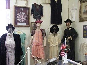 Sanford-Museum-clothes