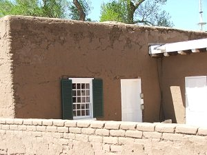 Adobe-building-at-Fort-Garland-Museum