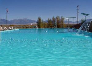 sand-dunes-swimming-pool;