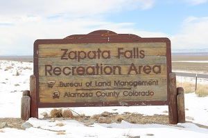 Zapata-Falls-entrance-sign